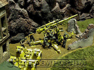 """RETIRED""  Forces Of Valor 1:32 Scale WWII German 88 Flak Gun & (5 Crew) - Eastern Front, 1943"