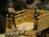 """BRAND NEW"" Custom Built - Hand Painted & Weathered 1:35 WWII DAK German Soldiers ""Loading Fuel Drums"" Soldier Set (5 Figure Set)"