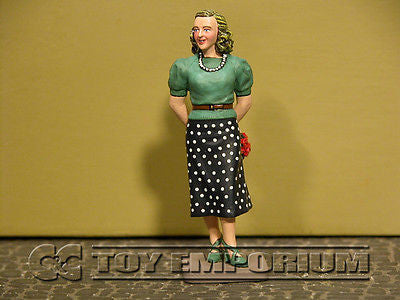 """RETIRED"" King & Country 1:30 ""Berghof Collection"" Deluxe Eva Braun Figure (1)"