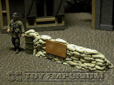 """RETIRED & BRAND NEW"" Build-a-Rama 1:32 Hand Painted WWII Deluxe Sandbag Barricade Wall Section #3"