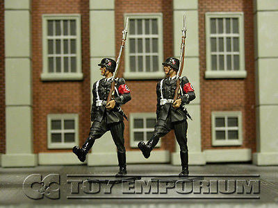 """RETIRED"" Collector's Showcase 1:30 Scale Berlin 38' Series Deluxe LAH Guards (2)"