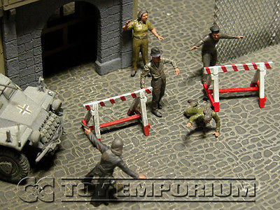 """BRAND NEW"" Custom Built  & Hand Painted 1:35 Deluxe ""Escape To Freedom"" Set (5 Figure Set)"