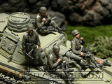 """BRAND NEW"" Custom Built - Hand Painted & Weathered 1:35 WWII German Tank Riders Soldier Set (4 Figure Set)"