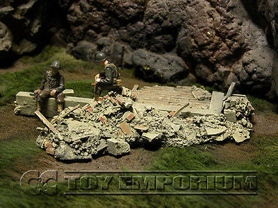 """RETIRED & BRAND NEW"" Build-a-Rama 1:32 Hand Painted WWII Bombed Out Foundation"