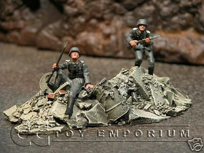 """RETIRED & BRAND NEW"" Build-a-Rama 1:32 Hand Painted WWII Rubble Pile #1 Set"