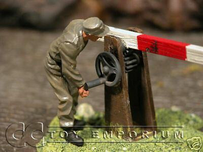 """BRAND NEW"" Custom Built & Hand Painted 1:35 WWII German Check Point Soldier"