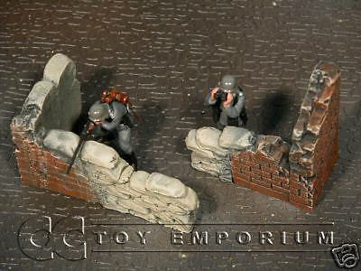 """RETIRED & BRAND NEW"" Build-a-Rama 1:32 Hand Painted WWII Fortified Brick Wall Set (2 Piece Set)"