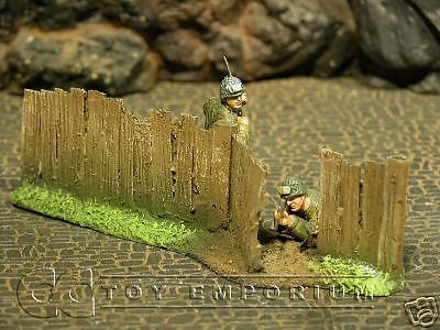 """RETIRED & BRAND NEW"" Build-a-Rama 1:32 Hand Painted WWII Wooden ""Gate"" Fence Set"
