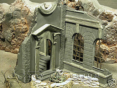 """RETIRED"" Pro Built - Hand Painted & Weathered 1:35 WWII Deluxe 2 Story Kharkov City Ruin"
