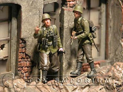 """BRAND NEW"" Custom Built & Hand Painted 1:35 WWII German House To House Soldier Set (2 Figure Set)"