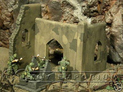 """BRAND NEW"" Pro Built - Hand Painted & Weathered 1:35 Custom 1 Story Iraq ""Oasis"" Diorama Ruin"