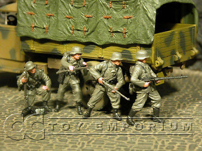"""BRAND NEW"" Custom Built & Hand Painted 1:35 WWII German Wiking Division Soldier Set (4 Figure Set)"