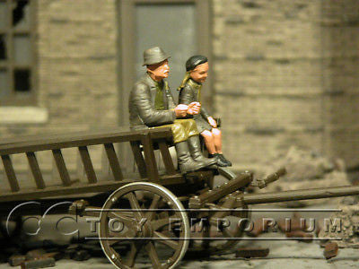 """BRAND NEW"" Custom Built - Hand Painted & Weathered 1:35 WWII Farmer & Daughter Set (2 Figure Set)"