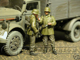 """BRAND NEW"" Custom Built & hand Painted 1:35 WWII German Smoke Break Soldier Set (2 Figure Set)"