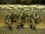 """BRAND NEW"" Custom Built & Hand Painted 1:35 WWII German Infantry Soldier Set (3 Figure Set)"