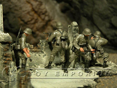 """BRAND NEW"" Custom Built & Hand Painted 1:35 WWII German Infantry ""Cross Of Iron"" Soldier Set (4 Figure Set)"
