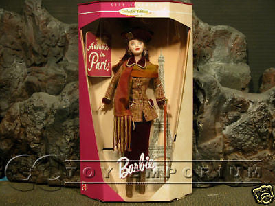 Barbie  NEW  Autumn In Paris - City Of Seasons  MINT