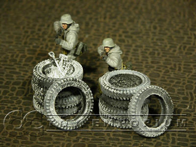 """RETIRED & BRAND NEW"" Build-a-Rama 1:32 Hand Painted WWII ""Winter"" Tire Set (2 Piece Set)"