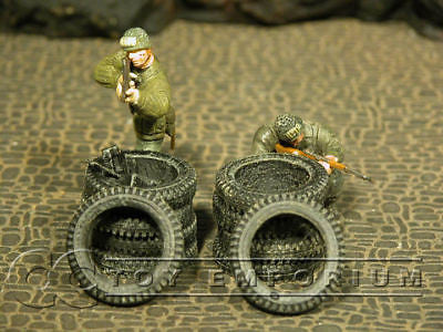 """RETIRED& BRAND NEW"" Build-a-Rama 1:32 Hand Painted WWII Tire Set (4 Piece Set)"