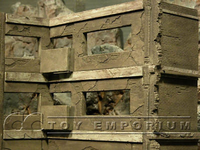 """BRAND NEW"" Dioramas Plus 1:35 Custom Built - Hand Painted & Weathered  3 Story Iraq Apartment Ruin"