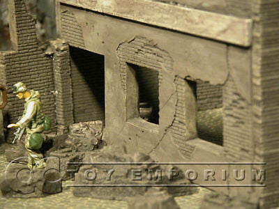"""BRAND NEW"" Dioramas Plus 1:35 Custom Built - Hand Painted & Weathered  ""Current Day"" 2 Story Apartment Ruin"