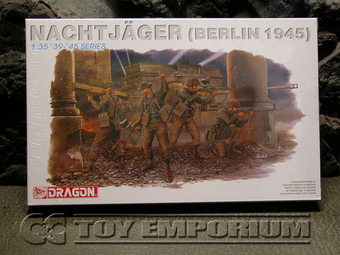 """BRAND NEW"" Dragon Models 1:35 Scale Deluxe WWII ""German NachtJager, Berlin, 1945"" Model Kit"