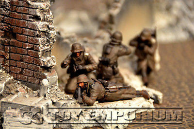 """BRAND NEW"" Custom Built - Hand Painted & Weathered 1:35 WWII Deluxe ""German Infantry"" Soldier Set (4 Figure Set)"
