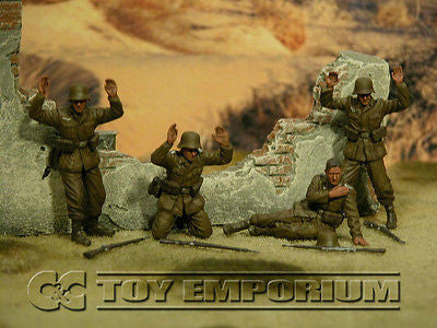 """BRAND NEW"" Custom Built - Hand Painted & Weathered 1:35 WWII German DAK ""Surrender"" Soldier Set (4 Figure Set)"
