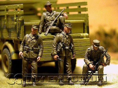 """BRAND NEW"" Custom Built - Hand Painted & Weathered 1:35 WWII Deluxe German ""Panzergrenadier - Africa"" Soldier Set (4 Figure Set)"