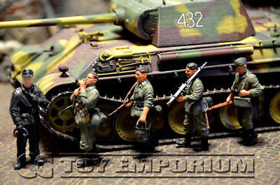 """BRAND NEW"" Dragon Armor - WWII German Panther G Tank w/ 5 Soldiers"