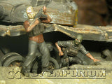 """BRAND NEW"" Custom Built - Hand Painted & Weathered 1:35 Iraq Insurgents Getting Info. Set (4 Figure Set)"