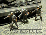 """BRAND NEW"" Custom Built - Hand Painted & Weathered 1:35 WWII German Wounded KingTiger Tank Crew -  Kursk 1943 (4 Figure Set)"