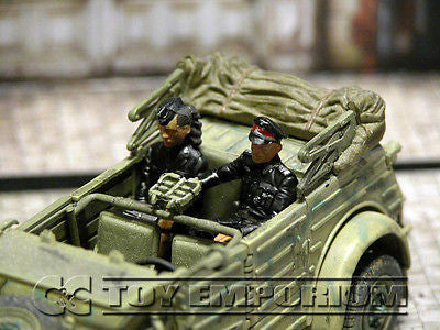 """BRAND NEW"" Custom Built & Hand Painted 1:35 WWII German SS Officer & Secretary Set  (2 Figure set)"