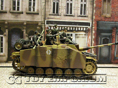 """RETIRED""  Forces Of Valor  German  Sturmgeschutz  III  Ausf. G  w/ 4  Soldiers"