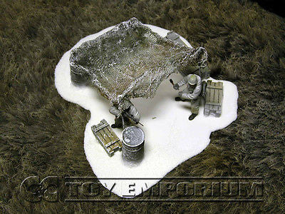 """RETIRED & BRAND NEW"" Build-a-Rama 1:32 Hand Painted WWII Deluxe ""Winter"" Outpost Shelter Set"
