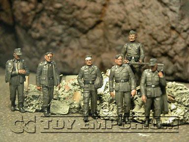 """BRAND NEW"" Custom Built - Hand Painted & Weathered 1:35 WWII German Captives w/Russian Guard Soldier Set (6 Figure Set)"
