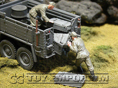 """RETIRED & BRAND NEW"" Build-a-Rama 1:32 Hand Painted WWII Deluxe ""Field Gray"" Crate Set (3 Piece Set)"
