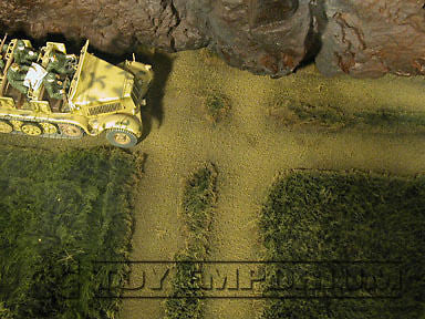 """BRAND NEW"" Build-a-Rama 1:32 WWII Deluxe Grass Road With ""T"" Mat (12"" x 12"")"