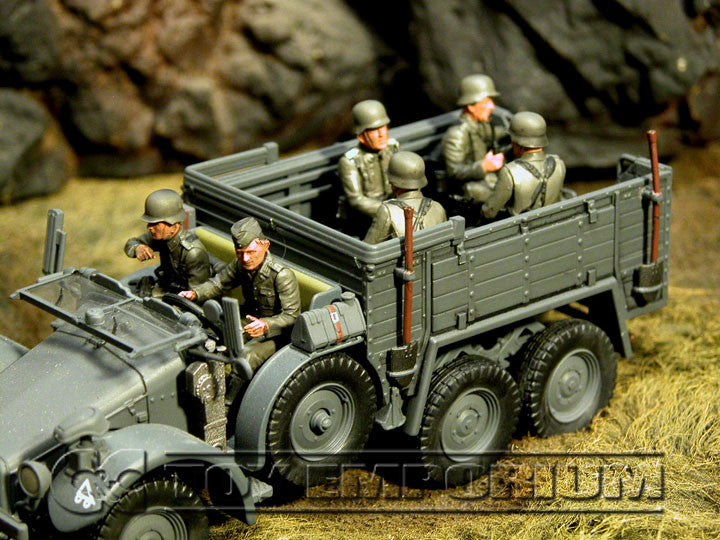 """BRAND NEW"" Custom Built & Hand Painted 1:35 WWII German ""Off To The Front - Vehicle Riders"" Set (6 Figure Set)"