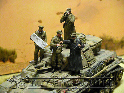 """BRAND NEW"" Custom Built - Hand Painted & Weathered 1:35 WWII Deluxe German ""Rommel & His Staff"" Soldier Set (4 Figure Set)"