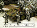 """BRAND NEW"" Custom Built - Hand Painted & Weathered 1:35 WWII German ""Self Propelled Gun Crew - Winter"" (4 Figure Set)"