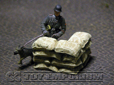 """RETIRED & BRAND NEW"" Build-a-Rama 1:32 Hand Painted WWII Sandbag Wall Corner Section"
