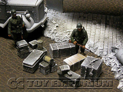 """RETIRED & BRAND NEW"" Build-a-Rama 1:32 Hand Painted WWII Deluxe ""Winter"" Crate, Gear & Box Set (7 Piece Set)"