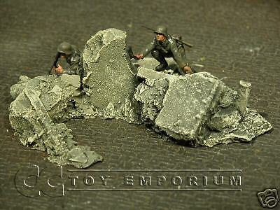 """RETIRED & BRAND NEW"" Build-a-Rama 1:32 Hand Painted WWII Rubble Pile #3 Set"