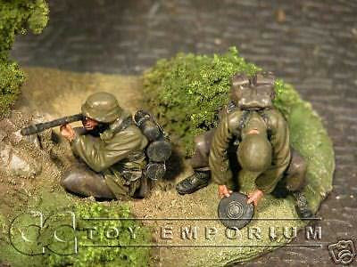 """BRAND NEW"" Custom Built & Hand Painted 1:35 WWII German Flamethrower & Mine Layer Set (2 Figure Set)"