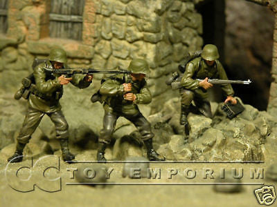 """BRAND NEW"" Custom Built & Hand Painted 1:35 WWII German Ambush Soldier Set (3 Figure Set)"
