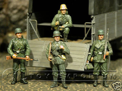 """BRAND NEW"" JUST IN! Dragon 1:35 German Soldier Set Stalingrad (4 Figure Set)"