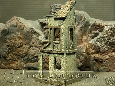 """RETIRED & BRAND NEW"" Build-a-Rama 1:32 Hand Painted 2 Story Farmhouse Ruin"