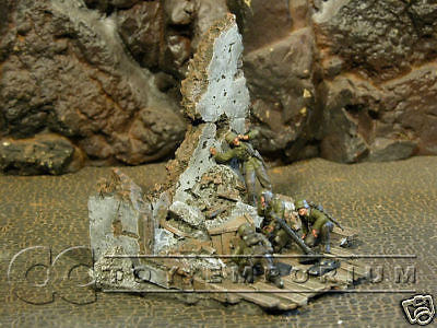 """RETIRED"" Sunix World 1:32 Hand Painted Deluxe House Corner Ruin"