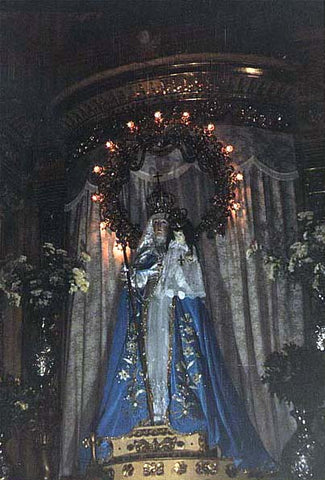 Our Lady of Good Success above the altar of the main church --- October 2002